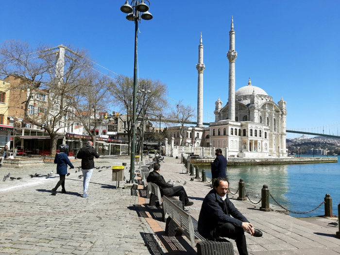 Foreign tourist arrivals in Turkey bounce back in April