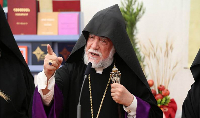 """Erməni katolikos təxribata əl atdı:  """"Müharibə hələ bitməyib"""""""