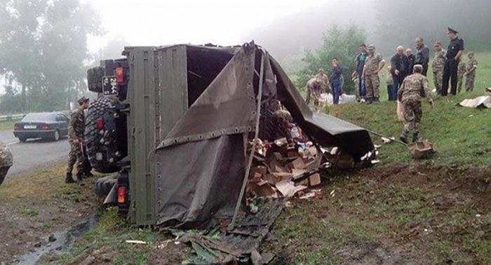 Erməni hərbçilər qəzaya düşdü -    10 nəfər yaralandı