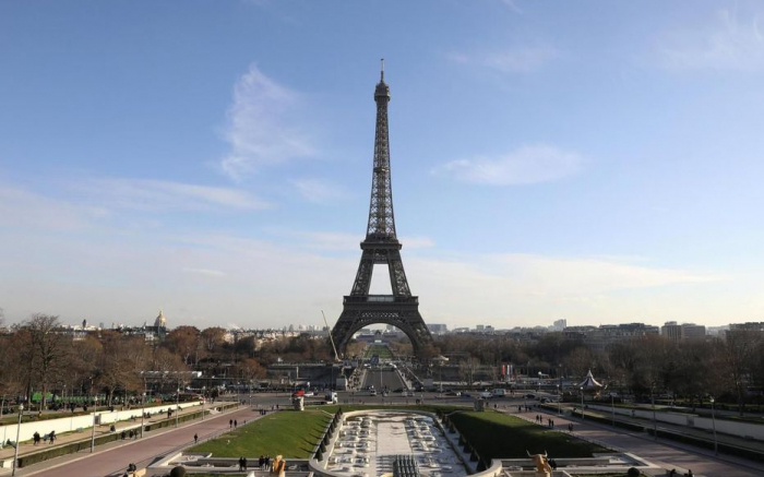 Pandémie: Le premier mémorial pour les victimes du coronavirus inauguré à Paris