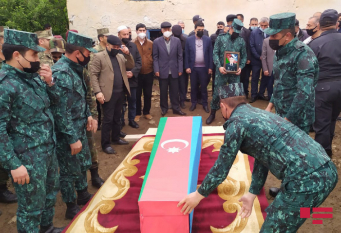 Le martyr Abulfaz Rahmatov a été enterré aujourd