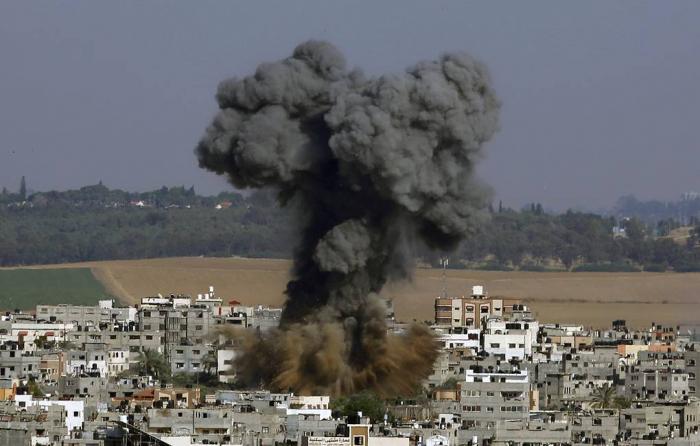 İsrail ordusu Qəzzadakı silah anbarlarına zərbə endirir