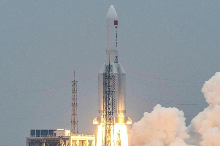 Espace: une partie de la fusée chinoise hors de contrôle s