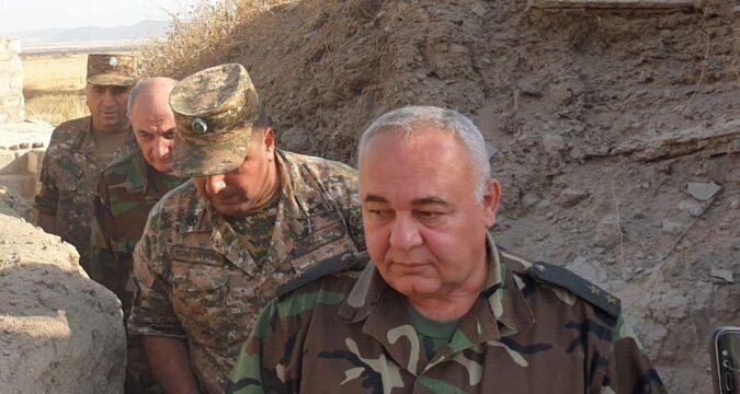 Erməni general Paşinyanı klouna bənzətdi