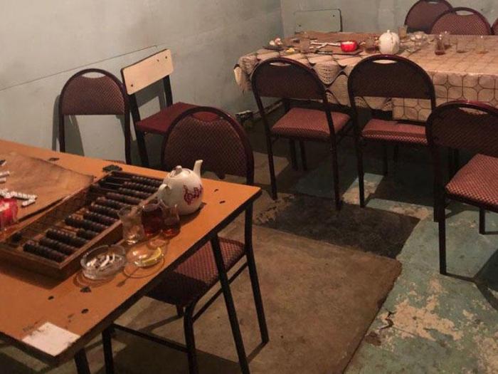 Karantin qaydalarını pozan çay evi aşkarlandı