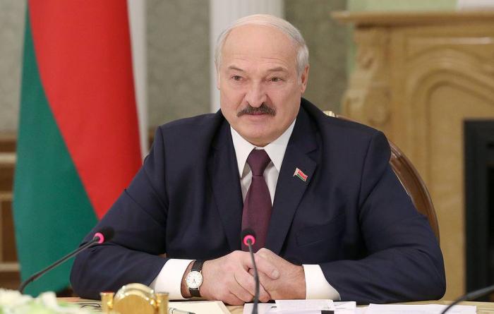 """""""Təyyarədə bomba olması xəbəri İsveçrədən daxil olub"""" -  Lukaşenko"""