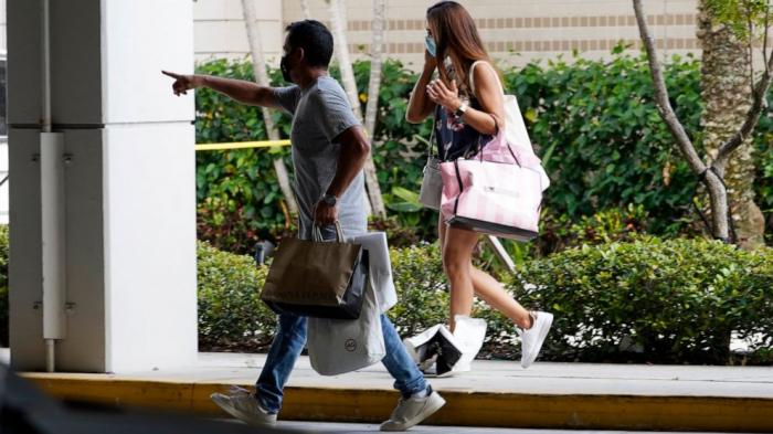 2 killed, at least 20 injured in U.S. Florida club shooting