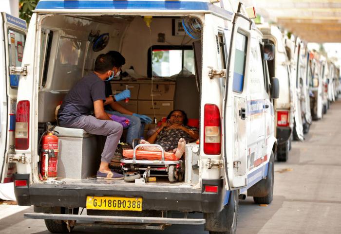 Hindistanda gündəlik yoluxma 400 mini keçdi