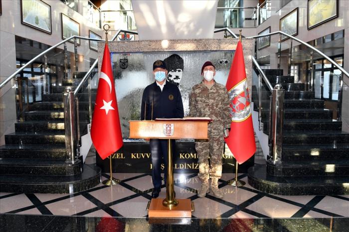 """""""أذربيجان شقيق تركيا"""" -   خلوصي أكار"""