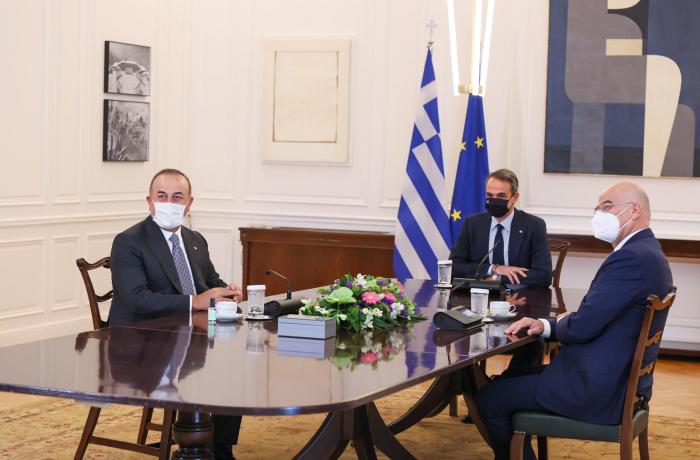 Çavuşoğlu Yunanınstanın baş naziri ilə görüşdü