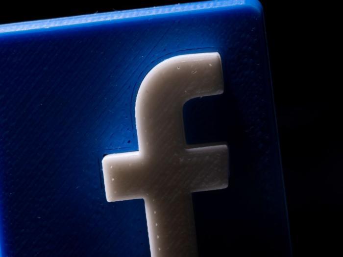 Facebook: risque une interdiction de transfert des données de l