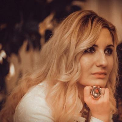 """Escritora ucraniana:  """"El festival """"Xarıbülbül"""" es una fiesta de orgullo, dignidad y luz"""""""