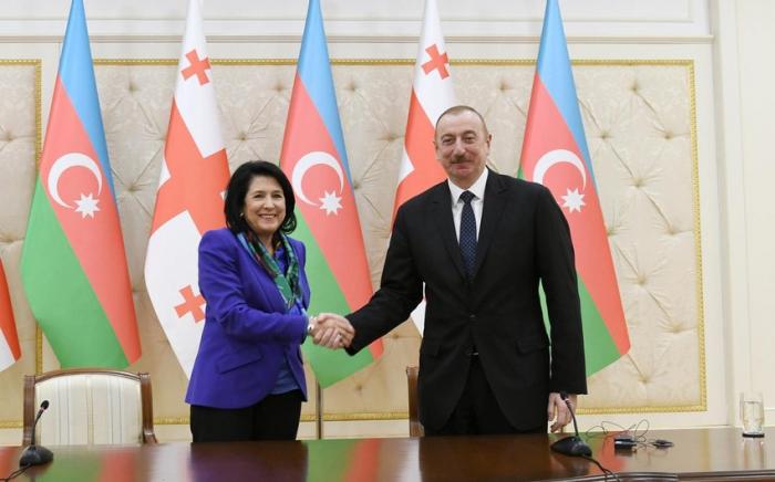 Zurabişvili İlham Əliyevi Gürcüstana dəvət etdi