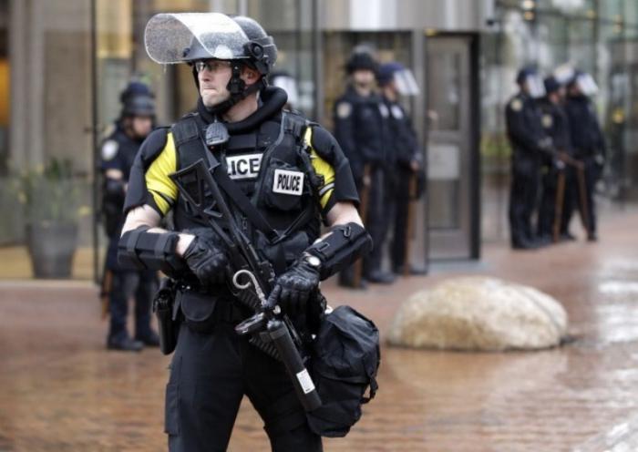 ABŞ-da insanlara atəş açıldı:  Ölən və yaralılar var