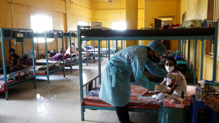 Hindistanda virusa yoluxma sayı 28 milyonu ötdü