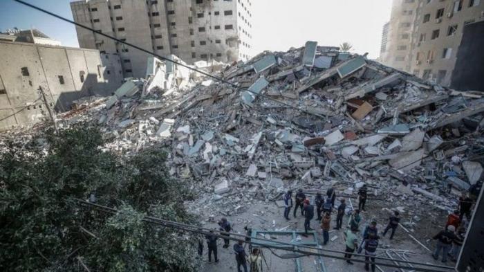 """İsrail """"Həmas"""" komandirinin evini bombaladı"""
