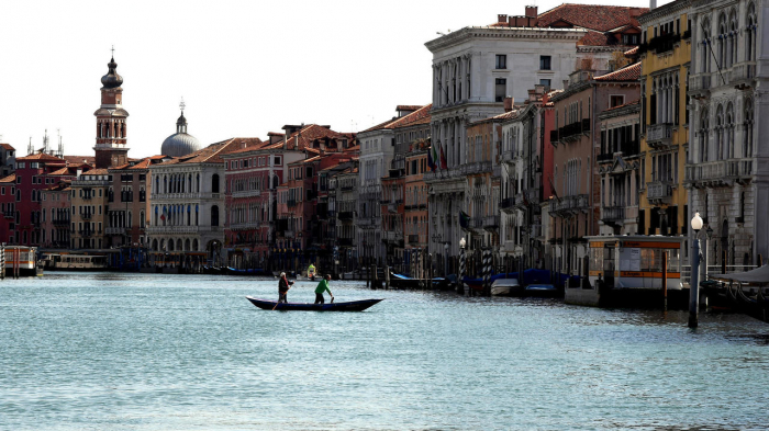 Italy to allow EU, British, Israeli tourists with negative test