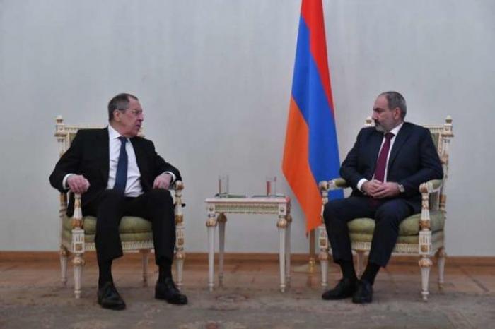 Lavrov Paşinyanla görüşəcək