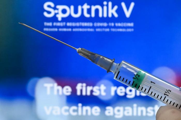 COVID-19: l'OMS prévoit de terminer toutes les procédures d'évaluation du vaccin russe Spoutnik V vers cet été