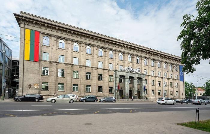 Litva Belarusun iki diplomatını ölkədən çıxarır