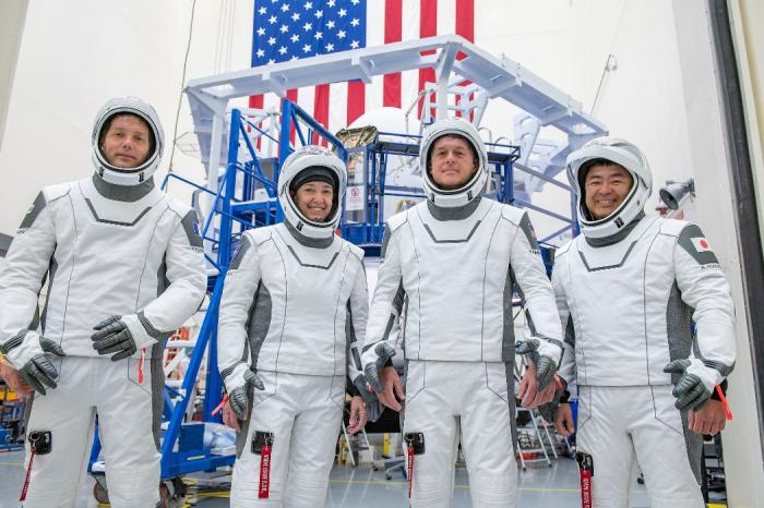 Espace: 4 astronautes à bord de l