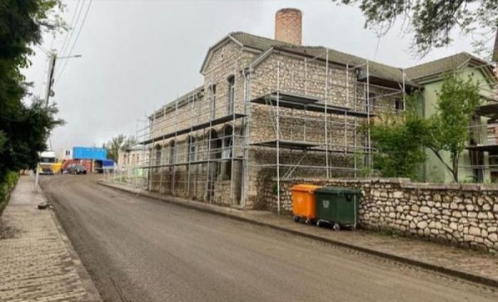 El portal georgiano publicó un reportaje fotográfico sobre las obras de construcción-restauración en Shusha