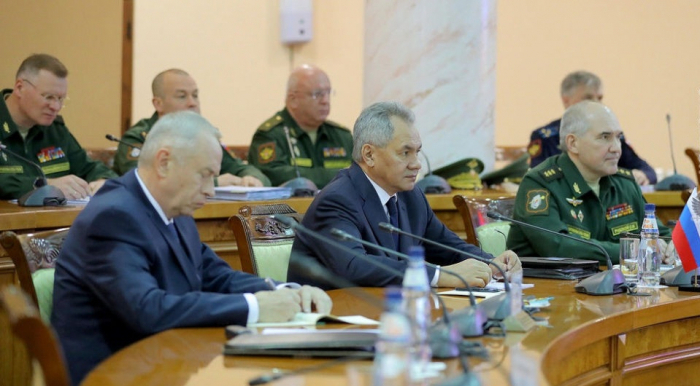 Defense Ministers of Armenia and Russia discuss Karabakh