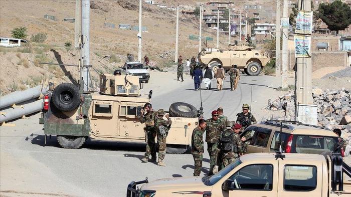 """""""Taliban"""" daha 3 polisi öldürdü, ikisini yaraladı"""