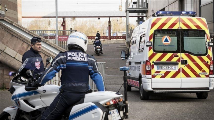 French policewoman wounded in knife attack