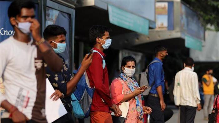 Hindistanda bir gündə 165 mindən çox yoluxma olub