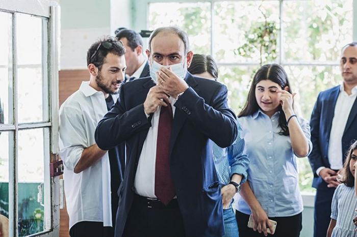 """Məğlub Qalib:   """"Paşinyan fenomeni""""nin səbəbi nədir?"""