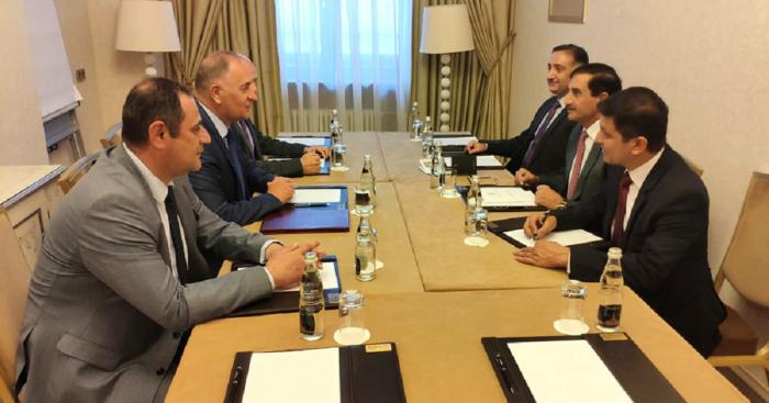 عقد لقاء بين الوفدين العسكريين الأذربيجاني والباكستاني