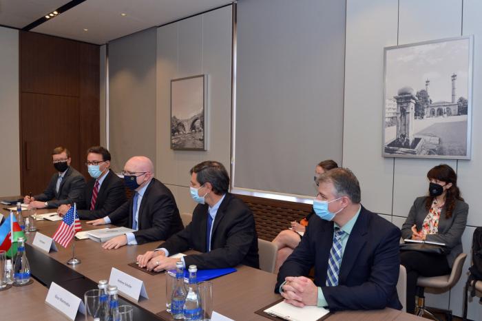 """فيليب ريكر  : """"إن الولايات المتحدة تولي أهمية كبيرة للعلاقات الثنائية مع أذربيجان"""""""