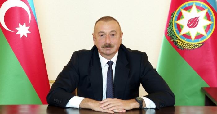 """Rafiq Ramazanova """"general-mayor"""" ali hərbi rütbəsi verildi-    Sərəncam"""