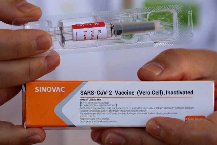 WHO approves Sinovac COVID shot in second Chinese milestone