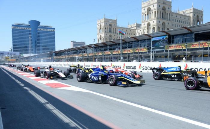 Bakıda Formula 2 üzrə sərbəst yürüşlərə start verildi