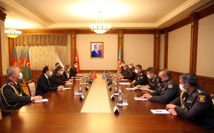Azerbaijan, Turkey discuss prospects for development of military cooperation