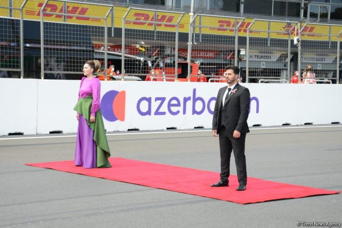 Azerbaijani war veteran sings National Anthem at F1 Grand Prix in Baku