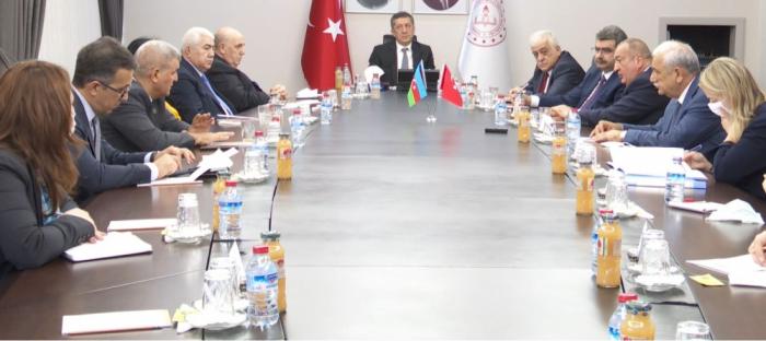 Leministre turc de l'Education nationale a reçu unedélégation azerbaïdjanaise