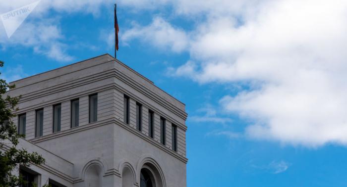Despidieron a tres ministros armenios