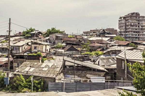 Massenmigration und Steuerreform zerstören den Immobilienmarkt in Armenien