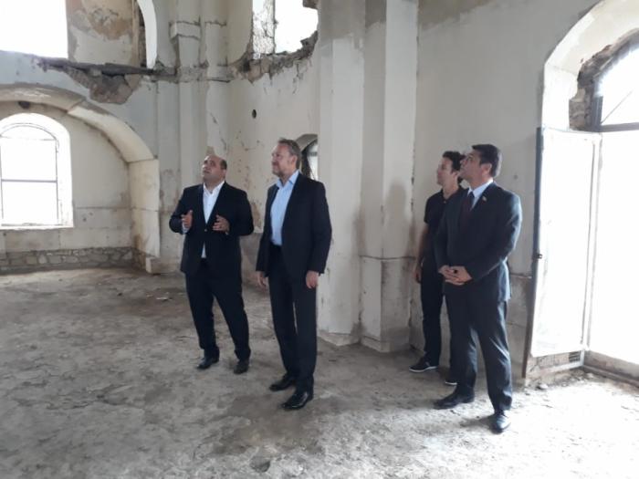 Los funcionarios de Bosnia y Herzegovina se familiarizan con las atrocidades armenias en Aghdam