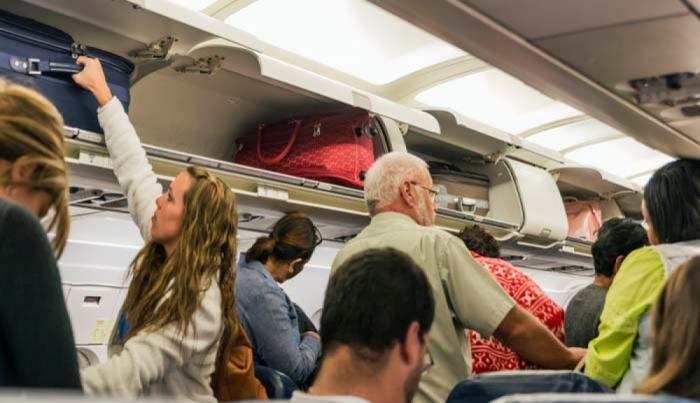 Azerbaiyán permitirá a los pasajeros aéreos llevar equipaje de mano