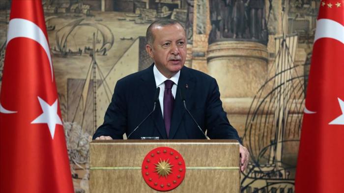 Erdogan trifft sich mit türkischen Soldaten in Baku
