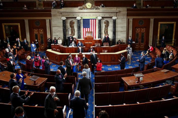 El Senado de EEUU aprobó una ley histórica de innovación para contrarrestar la influencia de China