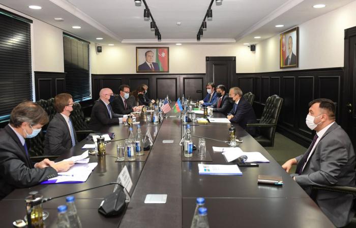 Mikayil Jabbarov and Philip Reeker discuss economic relations between Azerbaijan and US