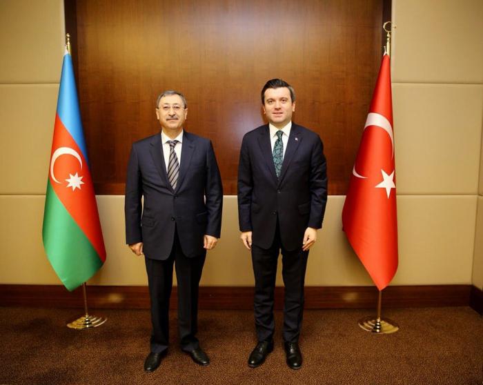 Chalaf Chalafow führt Gespräche mit seinem türkischen Amtskollegen