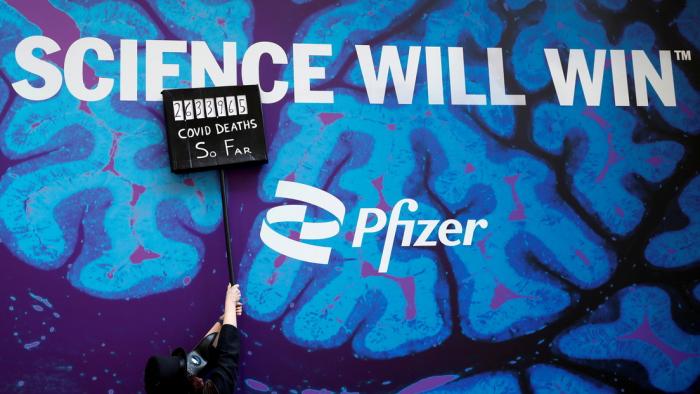 EE.UU. podría donar 500 millones de dosis de la vacuna anticovid de Pfizer a nivel mundial
