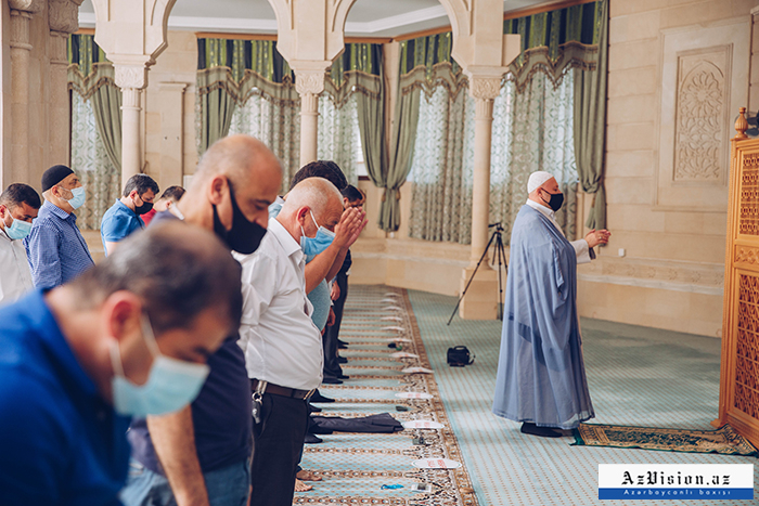 Gottesdienste in Aserbaidschan nehmen ihren Betrieb wieder auf -   FOTOS