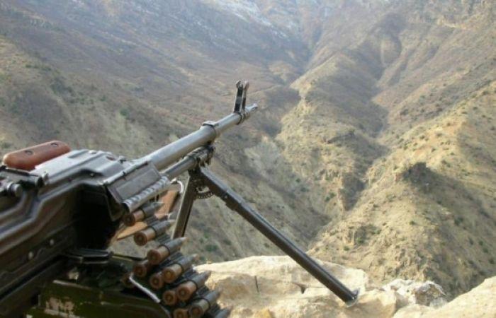 Les troupes arméniennes tirent sur des unités de l